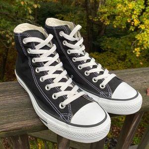 Converse All Star Chuck Taylor Hi-Tops 7.5M 9.5W